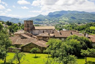 Historisch verblijf met uitzicht op de Pyreneeën
