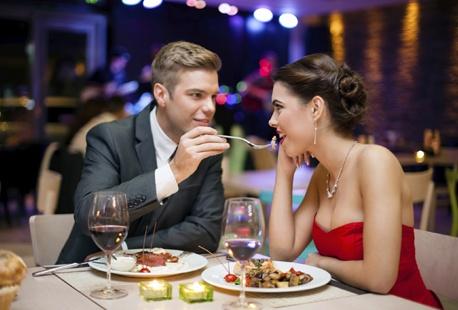 id e cadeau pour la saint valentin un repas romantique outspot. Black Bedroom Furniture Sets. Home Design Ideas