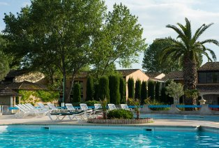 Südfrankreich (Arles) All-Inclusive mit Swimming-Pool