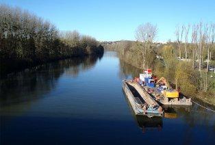 Relaxen aan de oevers van de Seine nabij Giverny (FR)