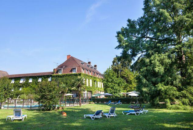 Viersterrenverblijf in Bourgogne met Michelin-restaurant en buitenzwembad - Hostellerie Chateau de la Barge