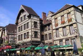 Ontdek het bruisende Troyes in de Aube Champagne