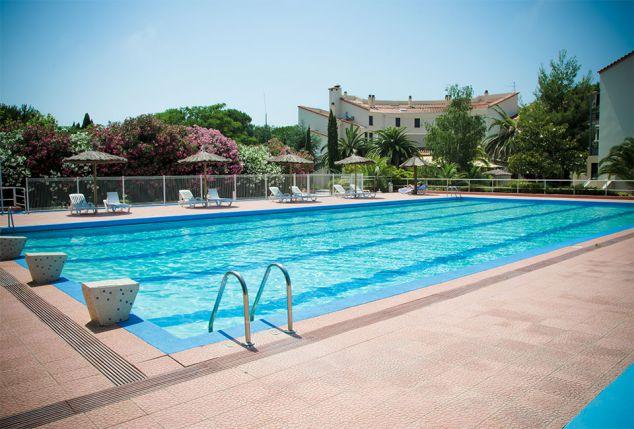 Dans Le Sud De La France (Languedoc Roussillon) Avec Piscine Extérieure Et  Spa   Hôtel Las Motas