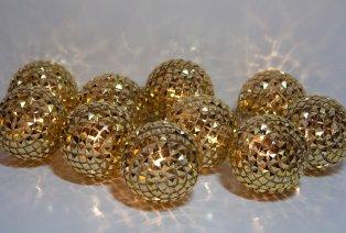 Decoratief lichtsnoer met kerstballen