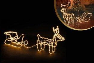 Rentier mit Weihnachtsbeleuchtung